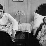 4 dodelijke communicatiefouten die de intimiteit in je relatie enorm onder druk zetten (en hoe het wel moet)